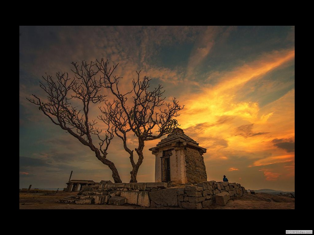 ADITYA AINAPURE_SUNSET AT HAMPI
